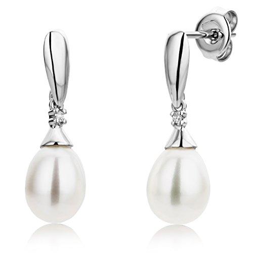 Miore - Boucles d'Oreille Femme - Or blanc (9 Cts) - Diamant et Perle 1    L'or blanc des bijoux Miore offre une touche d'élégance et met en valeur les pierres incrustées Les perles, douces et symétriques, sont des joyaux parfaits pour traduire la féminité de chaque femme La femme qui porte un diamant est l'association parfaite entre les deux plus beaux joyaux du monde.La femme qui porte un diamant est l'association parfaite entre les deux plus beaux joyaux du monde