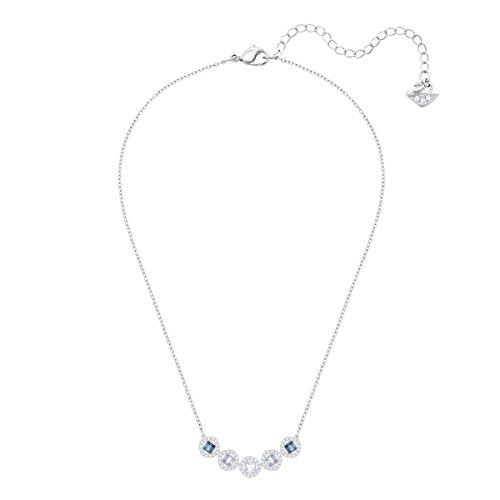 Swarovski Collier Angelic Square, bleu, métal rhodié 3    Illuminez votre boîte à bijoux avec ce superbe collier en métal rhodié. Affichant des cristaux bleus carrés encadrés d'un pavé de cristaux classique, ce bijou facile à porter restera longtemps indémodable. Parfait pour offrir, mais aussi un choix élégant pour un mariage.