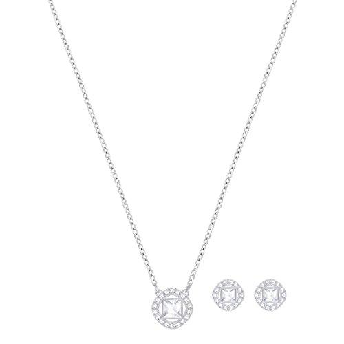 Swarovski Parure Angelic Square, blanc, métal rhodié 2    Resplendissez cette saison et tout au long de l'année avec cette fabuleuse parure de bijoux. Elle se compose d'un pendentif en métal rhodié sur une chaîne et d'une paire de boucles d'oreilles assorties. Affichant des cristaux carrés encadrés d'un pavé de cristaux classique, ce bijou facile à porter restera longtemps indémodable.