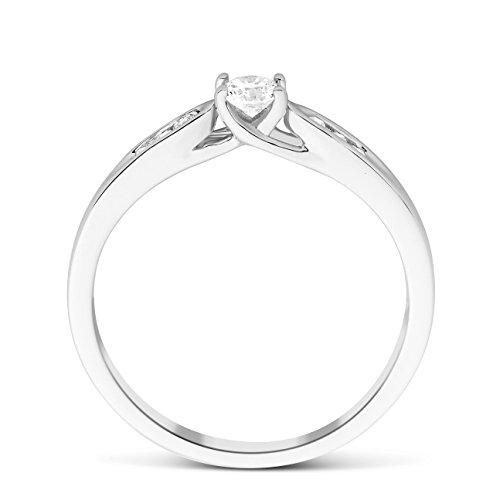 Miore - Bague Solitaire - Or Blanc 9 cts - Diamant 0.2 cts - T56 - MF9079R6 3 Bijoutier Boutique Bijou pour Femme en Or blanc 9carats (375/1000), 1.8 gr Type de pierre : Diamant Poids du diamant : 0.2 cts