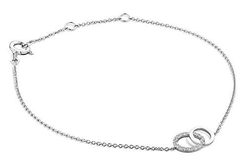 Miore - Bracelet Extensible - Or Blanc 9 cts - Diamant 0.08 cts - 18 cm 1 Bijoutier Boutique L'or blanc des bijoux Miore offre une touche d'élégance et met en valeur les pierres incrustées La femme qui porte un diamant est l'association parfaite entre les deux plus beaux joyaux du monde.La femme qui porte un diamant est l'association parfaite entre les deux plus beaux joyaux du monde Chaque bijou Miore est livré avec son certificat d'authenticité
