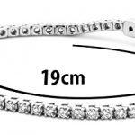 Miore - UJ139BW - Bracelet femme - Or blanc 375/1000 (9 carats) 9.7 gr - diamant 2 cts 3 Bijoutier Boutique L'or blanc des bijoux Miore offre une touche d'élégance et met en valeur les pierres incrustées La femme qui porte un diamant est l'association parfaite entre les deux plus beaux joyaux du monde.La femme qui porte un diamant est l'association parfaite entre les deux plus beaux joyaux du monde Chaque bijou Miore est livré avec son certificat d'authenticité