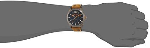 BOSS Orange - 1513240 - Montre Homme - Quartz - Analogique - Bracelet cuir Marron 3 Bijoutier Boutique Mouvement à sous-cadrans multiples (jour, date et affichage de l'heure au format 24heures). Boîtier en acier inoxydable à placage ionique kaki. Bracelet en cuir nubuck.